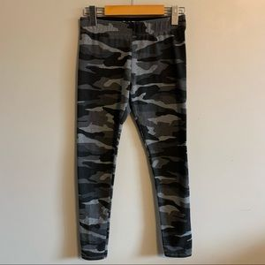 3/$30 Garage grey camo print leggings